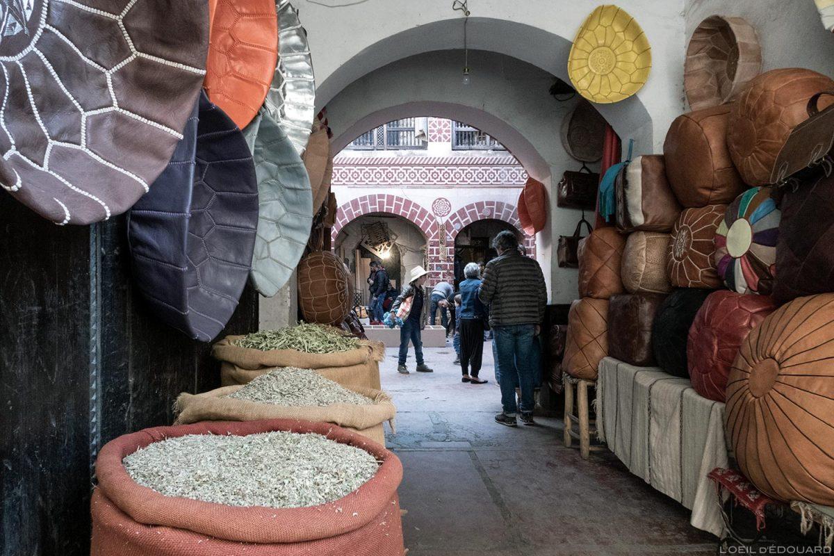 Fondouk : Boutique d'épice et de cuir dans la Médina de Marrakech, Maroc / Marrakesh Morocco