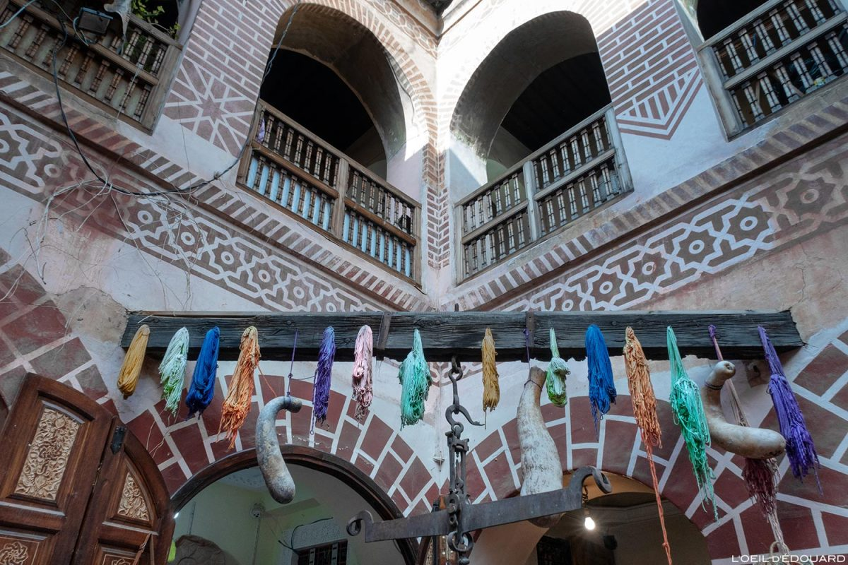 Fondouk : Boutique de teinture dans la Médina de Marrakech, Maroc / Marrakesh Morocco