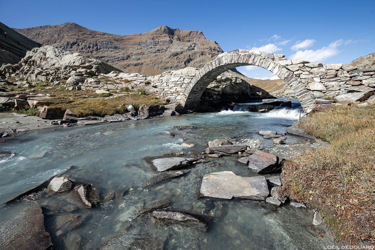 Le Pont Romain du Cirque des Évettes - Alpes Grées, Haute-Maurienne, Savoie Alpes © L'Oeil d'Édouard - Tous droits réservés
