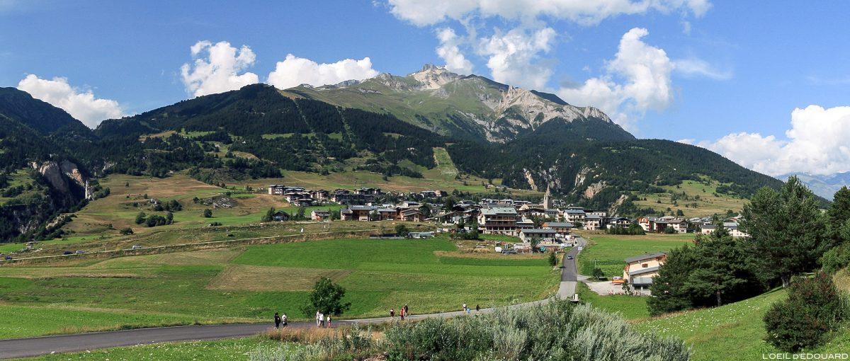 Le village d'Aussois et la Dent Parrachée, en Haute Maurienne Savoie