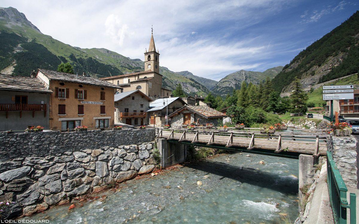 Le village de Termignon et le doron de Termignon - Haute Maurienne Savoie Alpes