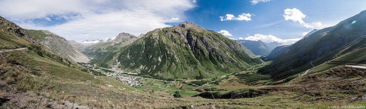 Route D902 vers le Col de l'Iseran - Vallée de la Haute-Maurienne Savoie Alpes