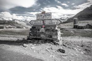 Le Col de l'Iseran (D902), plus haut col routier des Alpes, entre la Vallée de la Maurienne et la Tarentaise, Savoie Cyclisme © L'Oeil d'Édouard - Tous droits réservés