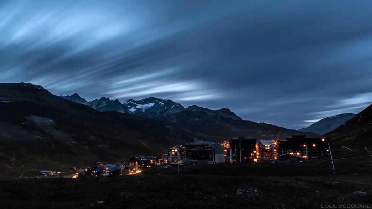 Le village de Tignes le soir en été, Haute-Tarentaise Savoie Alpes