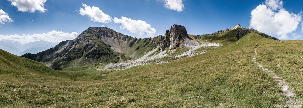 Sentier de randonnée Le Crêt du Rey, la Pointe de Bénite et la Roche de Corne Noire, Le Beaufortain Savoie Paysage Montagne Alpes