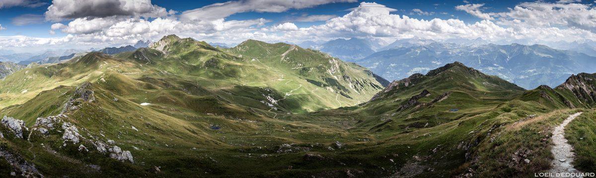 Vue panorama depuis le sommet de la Pointe de Dzonfié, Le Beaufortain Savoie Paysage Montagne Alpes