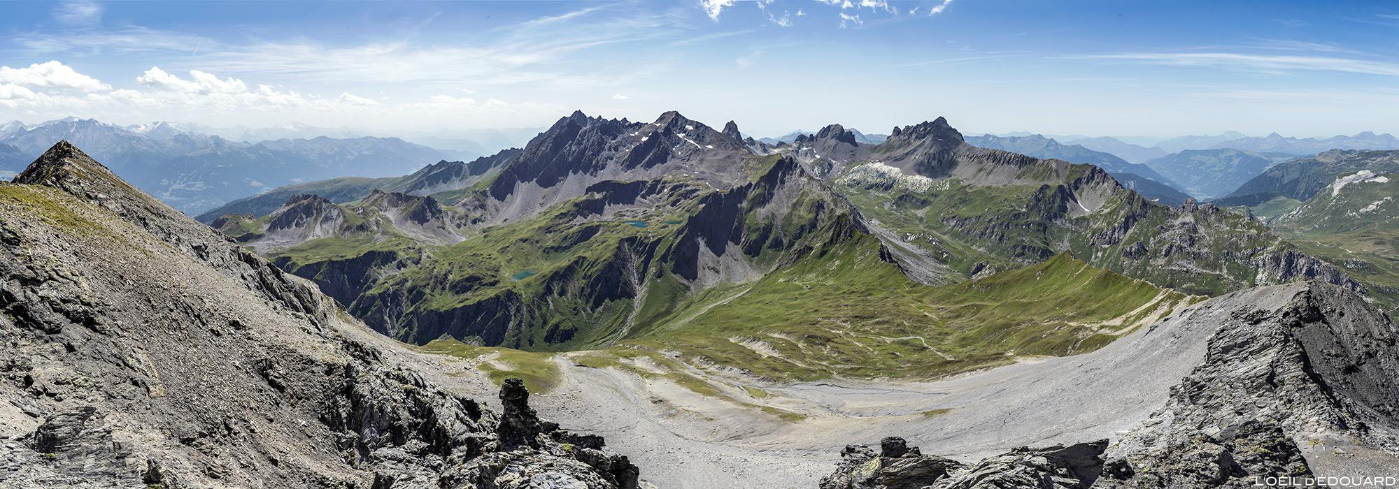 Vue sur le Massif du Beaufortain depuis le sommet de La Pointe de la Terrasse, Savoie Paysage Montagne Alpes