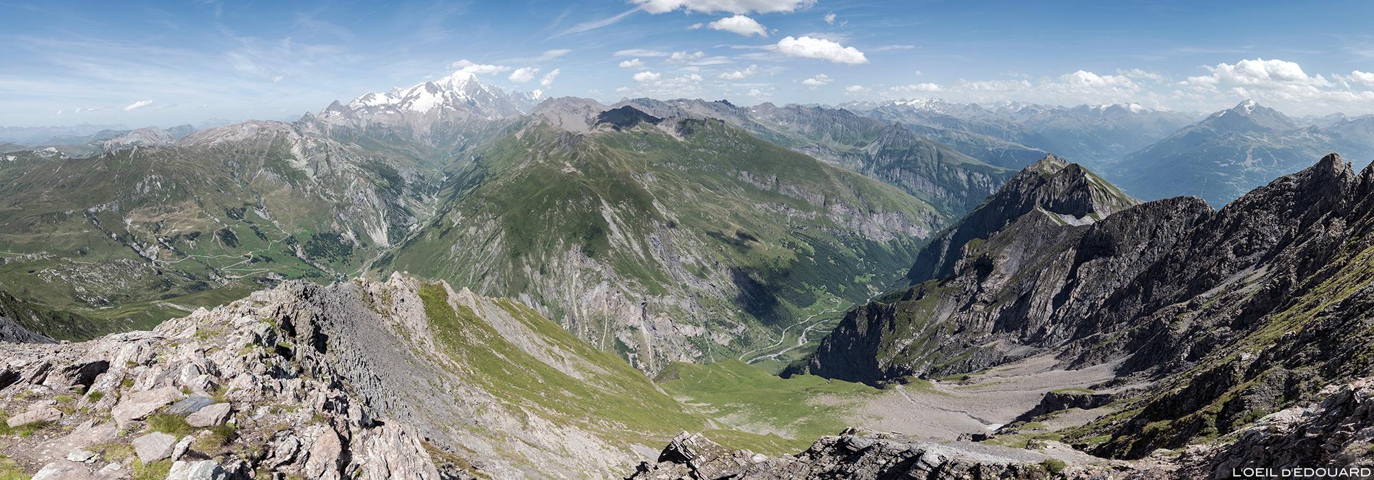 Vue sur le Massif du Mont Blanc depuis le sommet de La Pointe de la Terrasse, Le Beaufortain Savoie Paysage Montagne Alpes