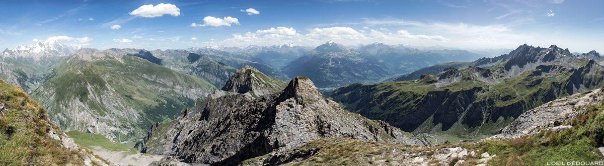 Vue sur la Haute-Tarentaise depuis le sommet de La Pointe de la Terrasse, Le Beaufortain Savoie Paysage Montagne Alpes
