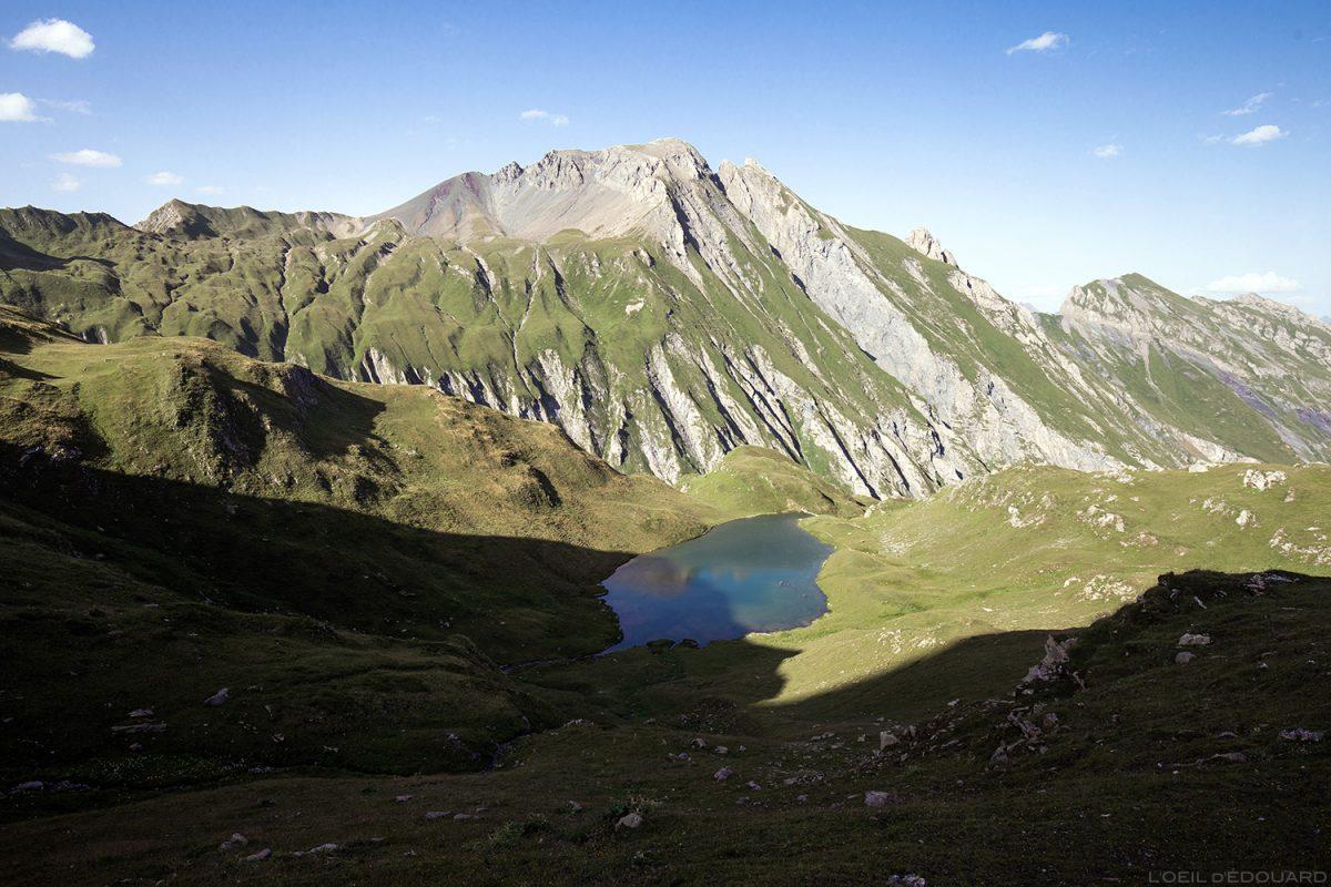 Le Lac Esola et La Pointe de la Terrasse, Lacs de la Forclaz Le Beaufortain Savoie Paysage Alpes
