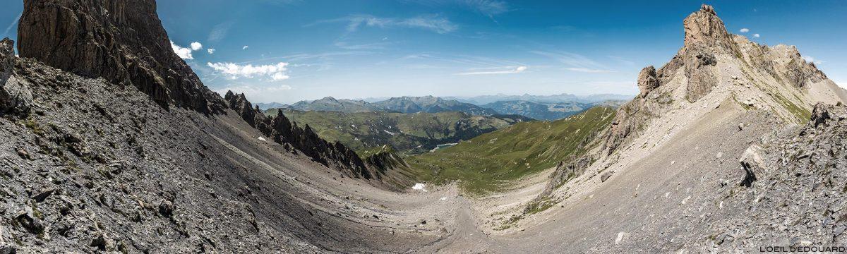 La Brèche de Parozan entre la Pointe de Presset et l'Aiguille du Grand Fond, au Col du Grand Fond, Le Beaufortain Savoie Paysage Montagne Alpes