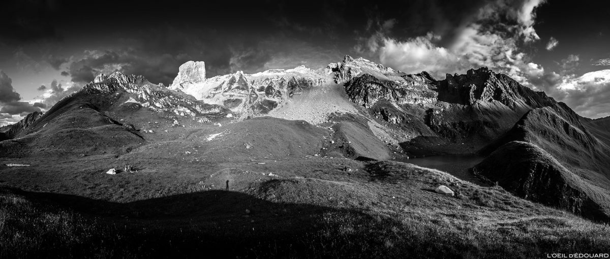 Bivouac au Lac d'Amour et la Pierra Menta, Le Beaufortain Savoie Paysage Montagne Alpes © L'Oeil d'Édouard - Tous droits réservés