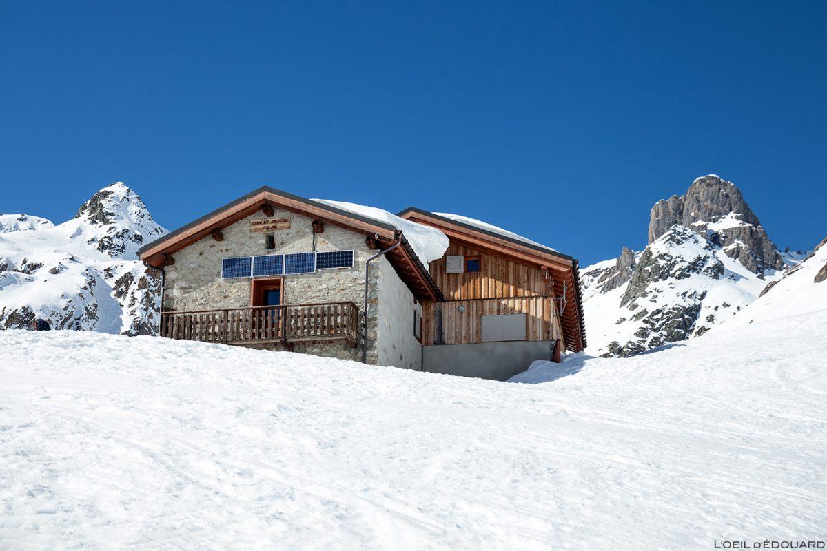 Le Refuge de la Balme et la Pierra Menta en hiver - Massif du Beaufortain, Savoie / Ski de randonnée Paysage Montagne Outdoor Mountain winter ski touring