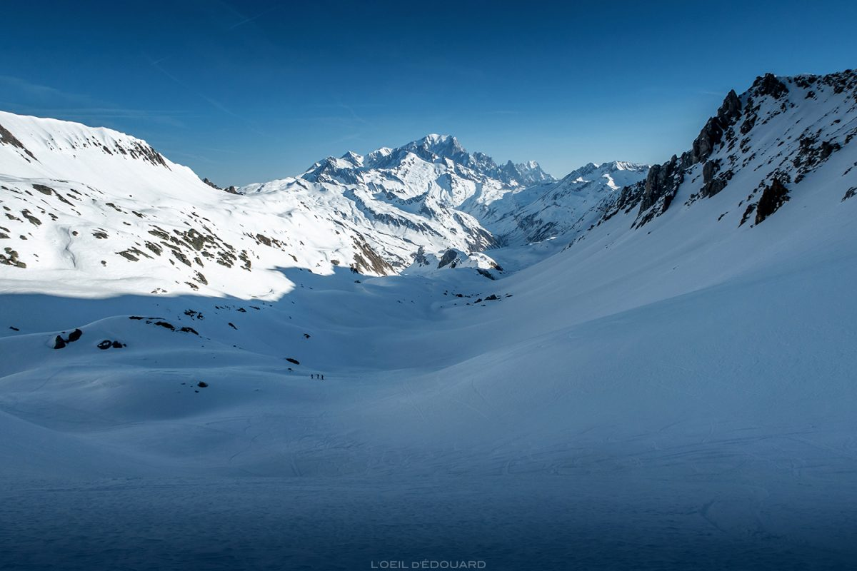 Ski de randonnée dans la Combe de la Neuva en hiver et le Massif du Mont Blanc - Massif du Beaufortain, Savoie © L'Oeil d'Édouard - Tous droits réservés / Paysage Montagne en hiver Outdoor Mountain Winter Snow Ski Touring
