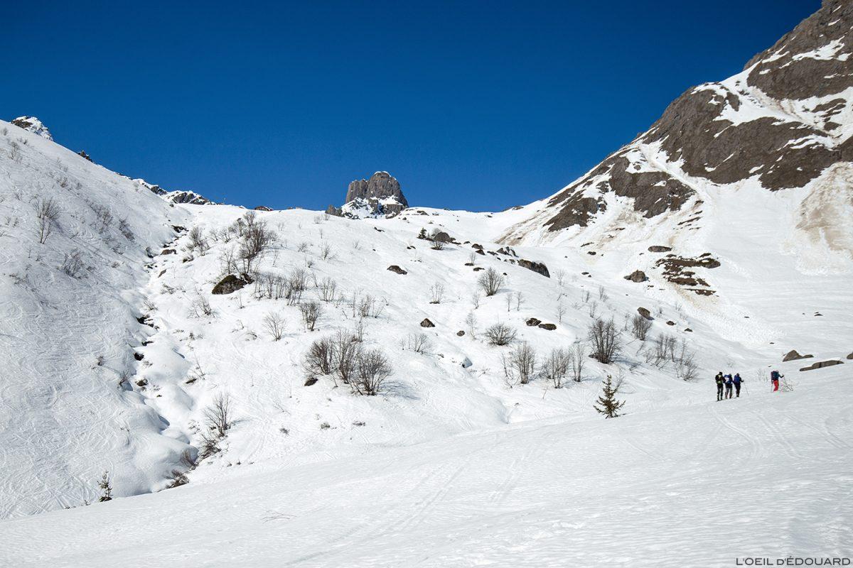 La Pierre Menta et le Refuge de la Balme en hiver - Massif du Beaufortain, Savoie / Ski de randonnée Paysage Montagne Outdoor Mountain winter ski touring