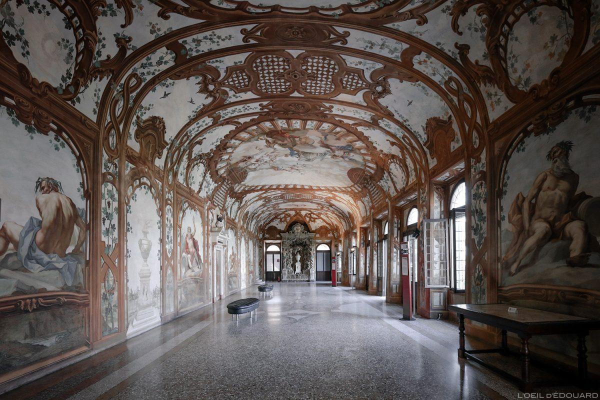 Salle des Rivières, intérieur du Palais ducal, Mantoue Italie - Sala dei Fiumi, Palazzo Ducale di Mantova, Italia Italy palace room