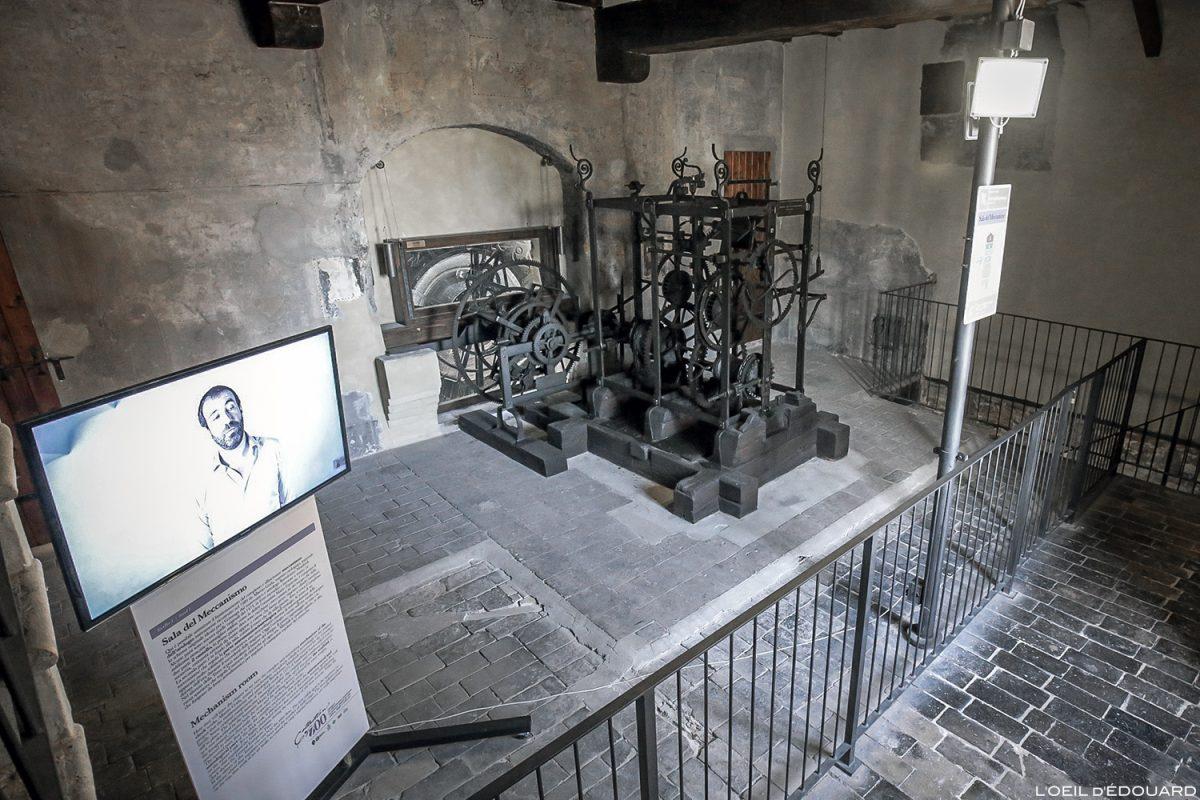Musée du temps : mécanisme de l'Horloge, intérieur de la tour du clocher du Palazzo della Ragione, Mantoue Italie / Sala del Meccanismo Museo del Tempo, Torre dell'Orologio, Mantova Italia Italy