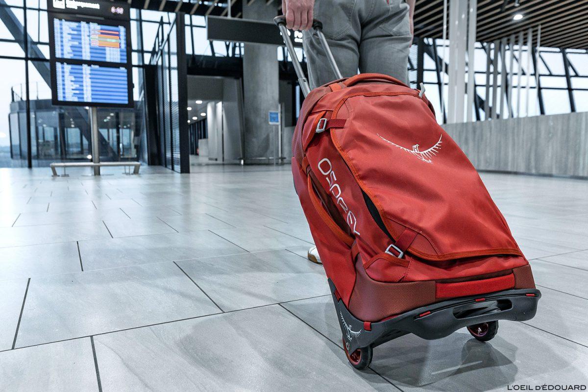 Test sac valise à roulettes Osprey Rolling Transporter 40 review ( rouge / red ) Duffel Travel Bag - Aéroport de Lyon