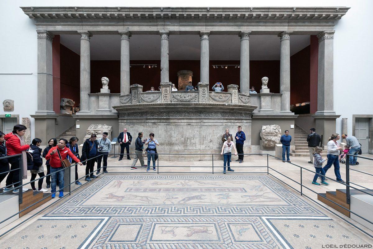 Mosaïque, Musée de Pergame - Île aux Musées de Berlin Allemagne / Markey Gate from Miletus, Pergamonmuseum, Museumsinsel Deutschland Germany