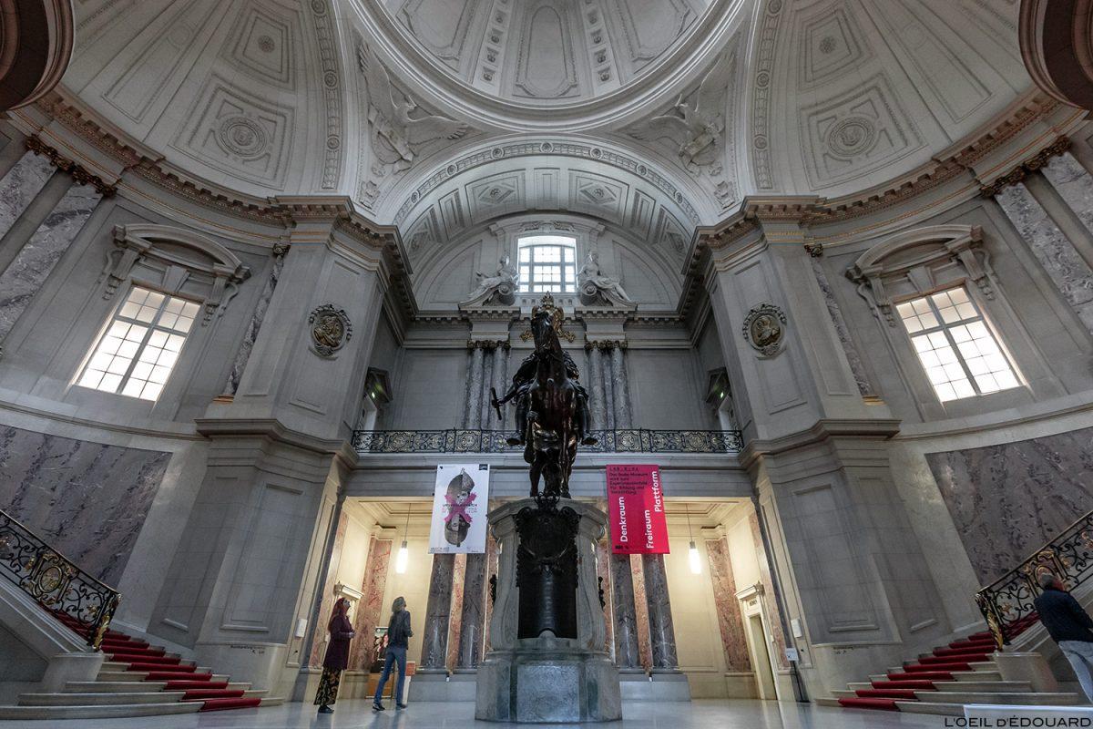 Hall Palais Musée de Bode Museum, Île aux Musées de Berlin Allemagne / Museumsinsel Deutschland Germany architecture néo-baroque