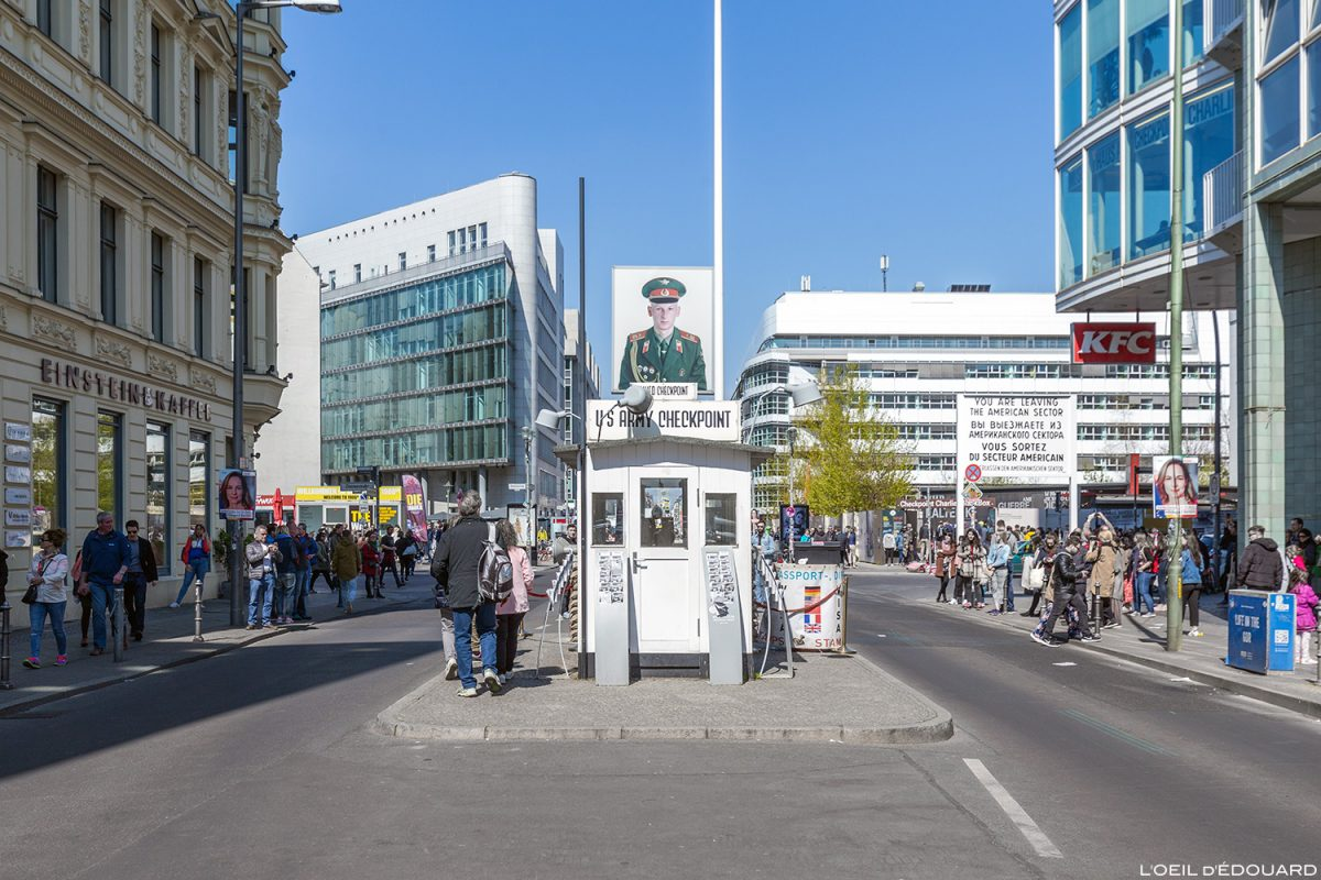 Checkpoint Charlie Berlin Allemagne Germany Deutschland