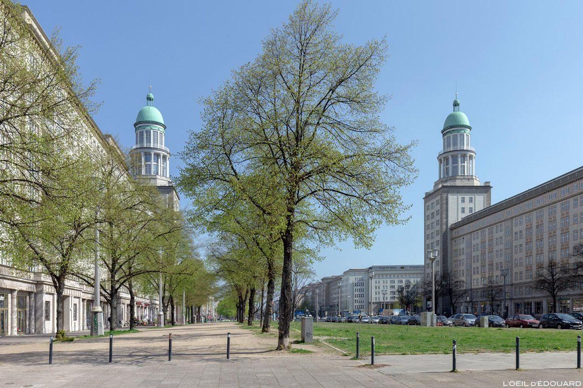Porte de Francfort, Karl Marx Allee, Berlin Allemagne Frankfurt Tor Deutschland Germany building architecture