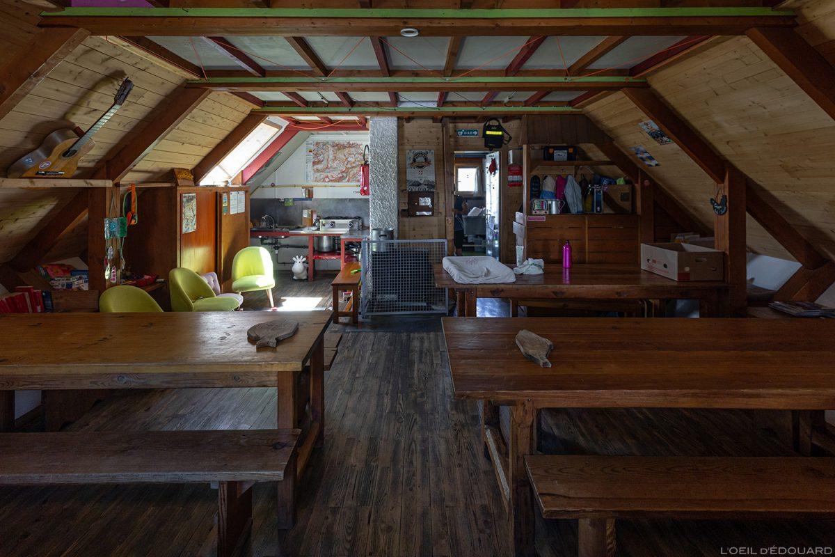 La salle à manger du Refuge du Fond des Fours, Massif de la Vanoise, Montagne Alpes Mountain