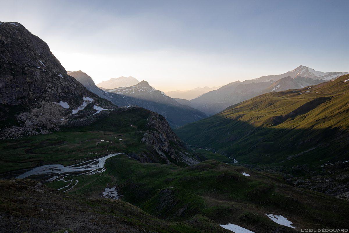 Coucher de soleil au Refuge du Fond des Fours, Massif de la Vanoise, Paysage Montagne Alpes Mountain Landscape sunset © L'Oeil d'Édouard - Tous droits réservés
