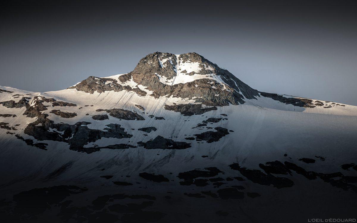 Lever de soleil sur le sommet de la Pointe de Méan Martin, Massif de la Vanoise, Paysage Montagne Alpes Mountain Landscape sunrise © L'Oeil d'Édouard - Tous droits réservés