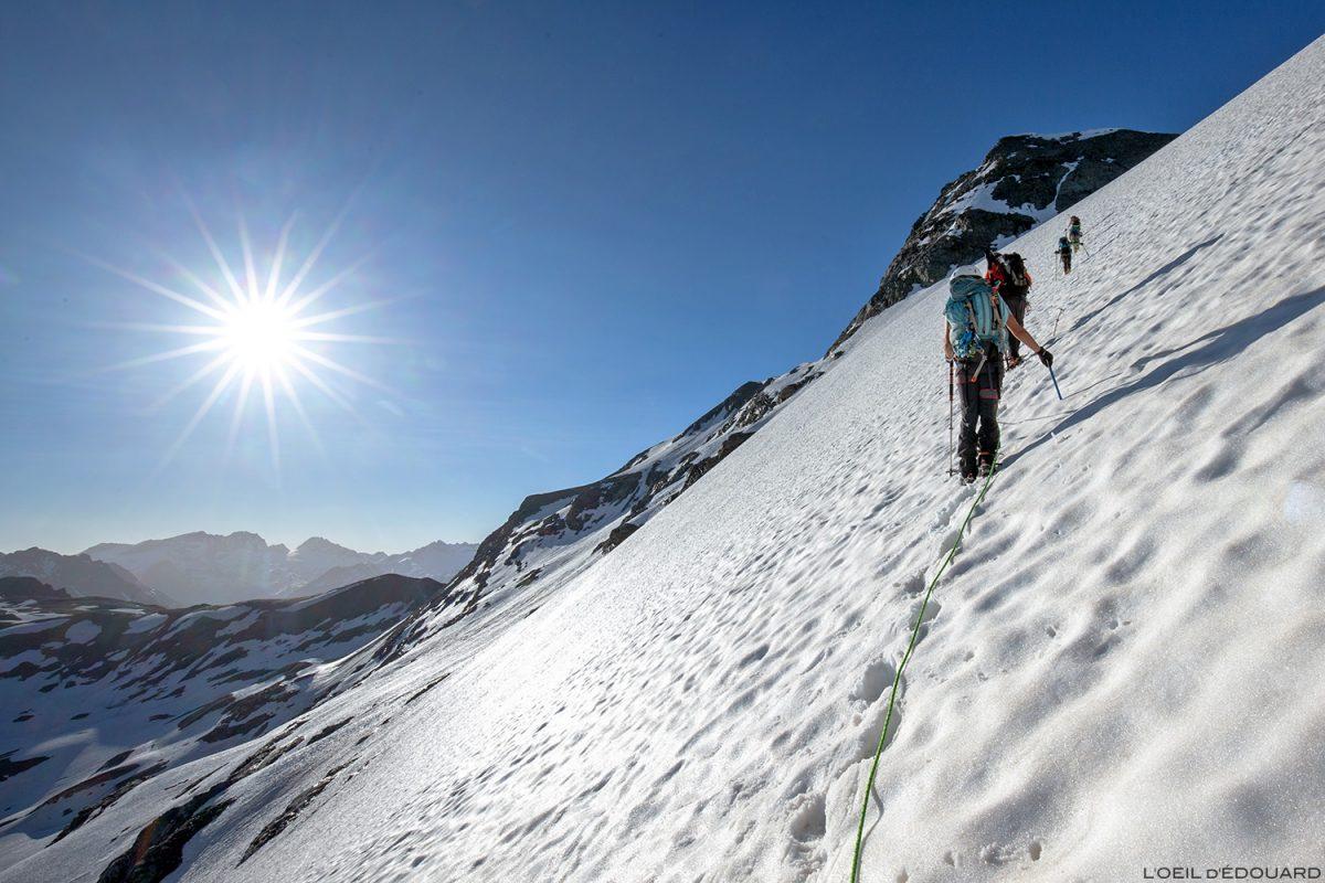 Le Glacier des Fours sous la Pointe de Méan Martin randonnée glaciaire alpinisme, Massif de la Vanoise - Paysage Montagne Alpes Mountain Landscape mountaineering