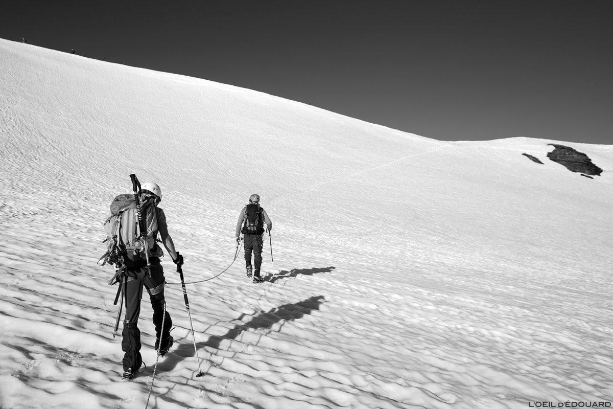 Randonnée glaciaire sur Le Glacier des Fours sous la Pointe de Méan Martin alpinisme, Massif de la Vanoise - Paysage Montagne Alpes Mountain Landscape mountaineering