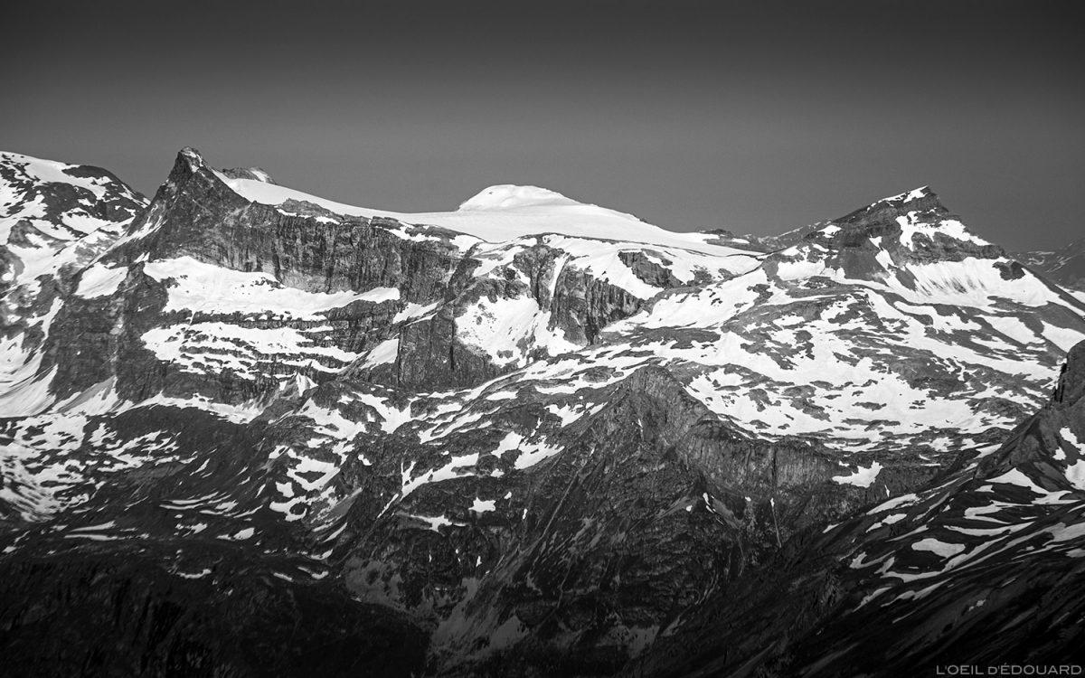 La Pointe de la Réchasse et le Mont Pelve depuis le sommet de la Pointe de Méan Martin alpinisme, Massif de la Vanoise - Paysage Montagne Alpes Mountain Landscape mountaineering