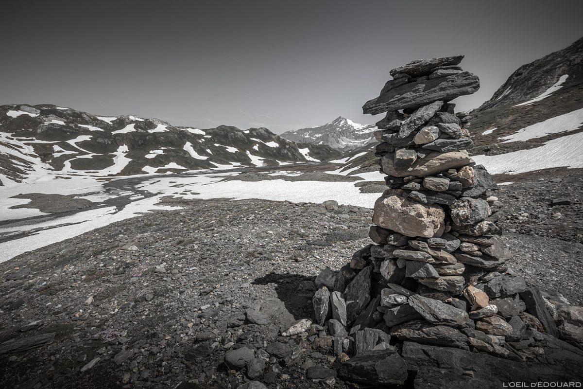 Cairn sur le Plateau des Fours, Massif de la Vanoise - Paysage Montagne Alpes Mountain Landscape