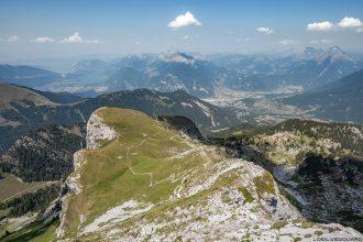 Vue au sommet de La Pointe de La Sambuy avec vue sur le Mont Blanc, Haute-Savoie Alpes - Paysage Montagne Randonnée Alpes Outdoor Mountain Landscape Hike Hiking summit