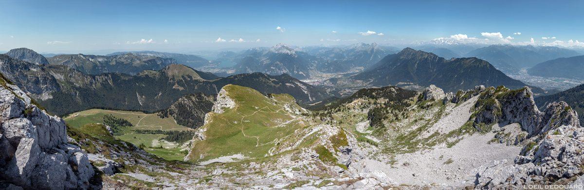 Vue panorama depuis La Pointe de La Sambuy avec vue sur le Mont Blanc, Haute-Savoie Alpes - Paysage Montagne Randonnée Alpes Outdoor Mountain Landscape Hike Hiking
