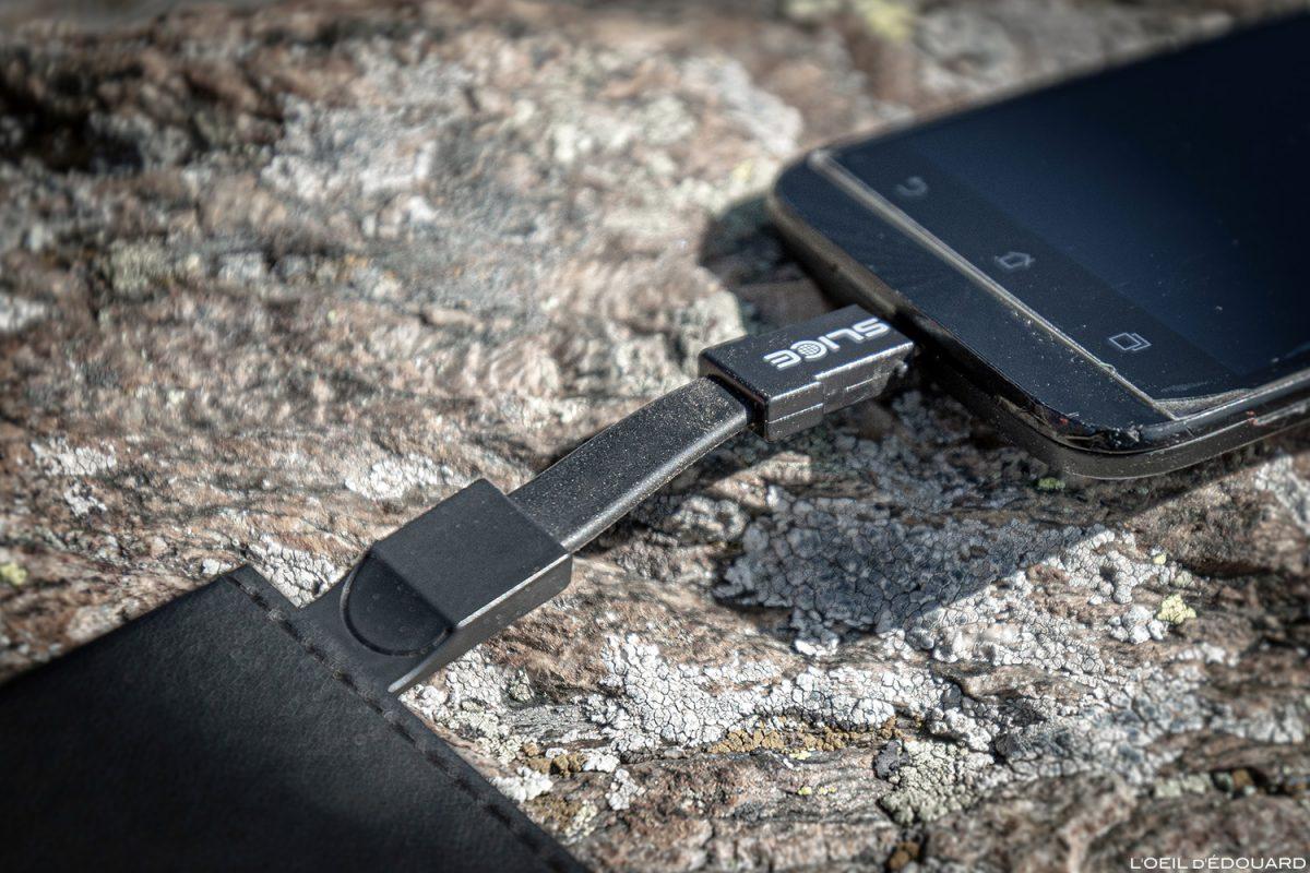 Prise USB Chargeur solaire Sunslice Photon pour la randonnée en montagne et les treks Outdoor