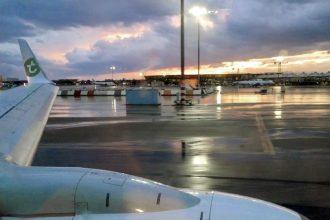 Aéroport de Lyon - Avion Transavia flight vers Lisbonne