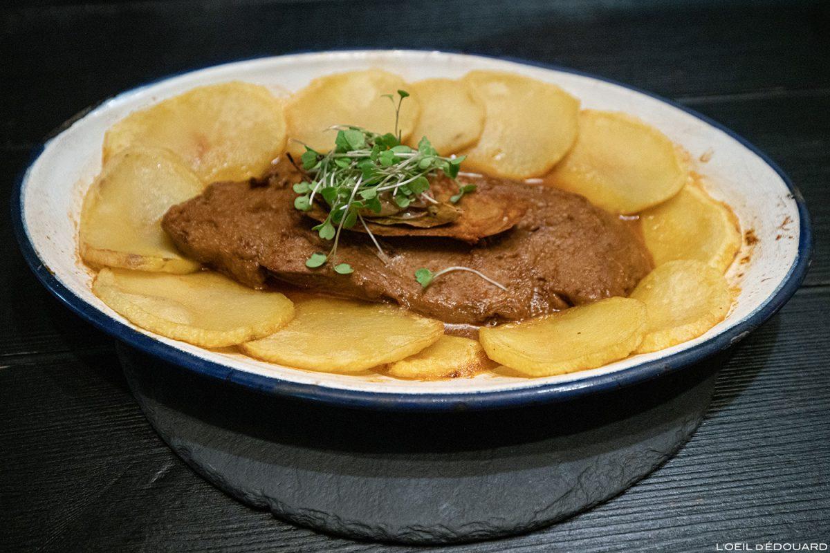 Plat végétarien Seitan avec pommes de terre - Restaurant Lisbonne Ao 26 Vegan Food Project Lisboa Portugal