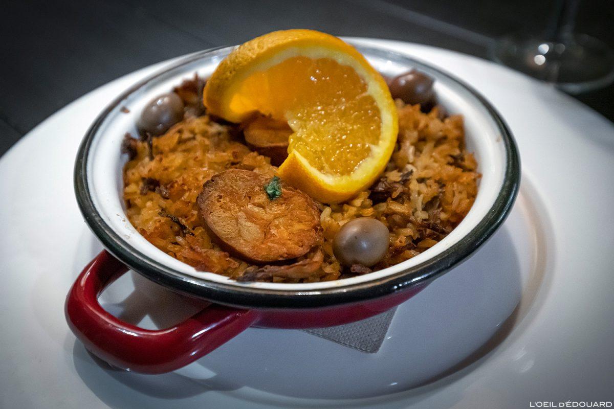 """Plat végétarien Arroz de """"pato"""" et """"chorizo"""" - Restaurant Lisbonne Ao 26 Vegan Food Project Lisboa Portugal"""