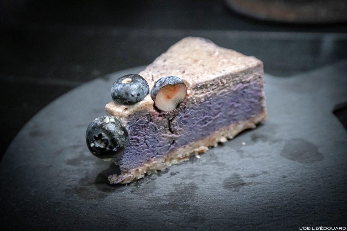 Dessert vegan gâteau aux myrtilles Blueberry cake - Restaurant Lisbonne Ao 26 Vegan Food Project Lisboa Portugal