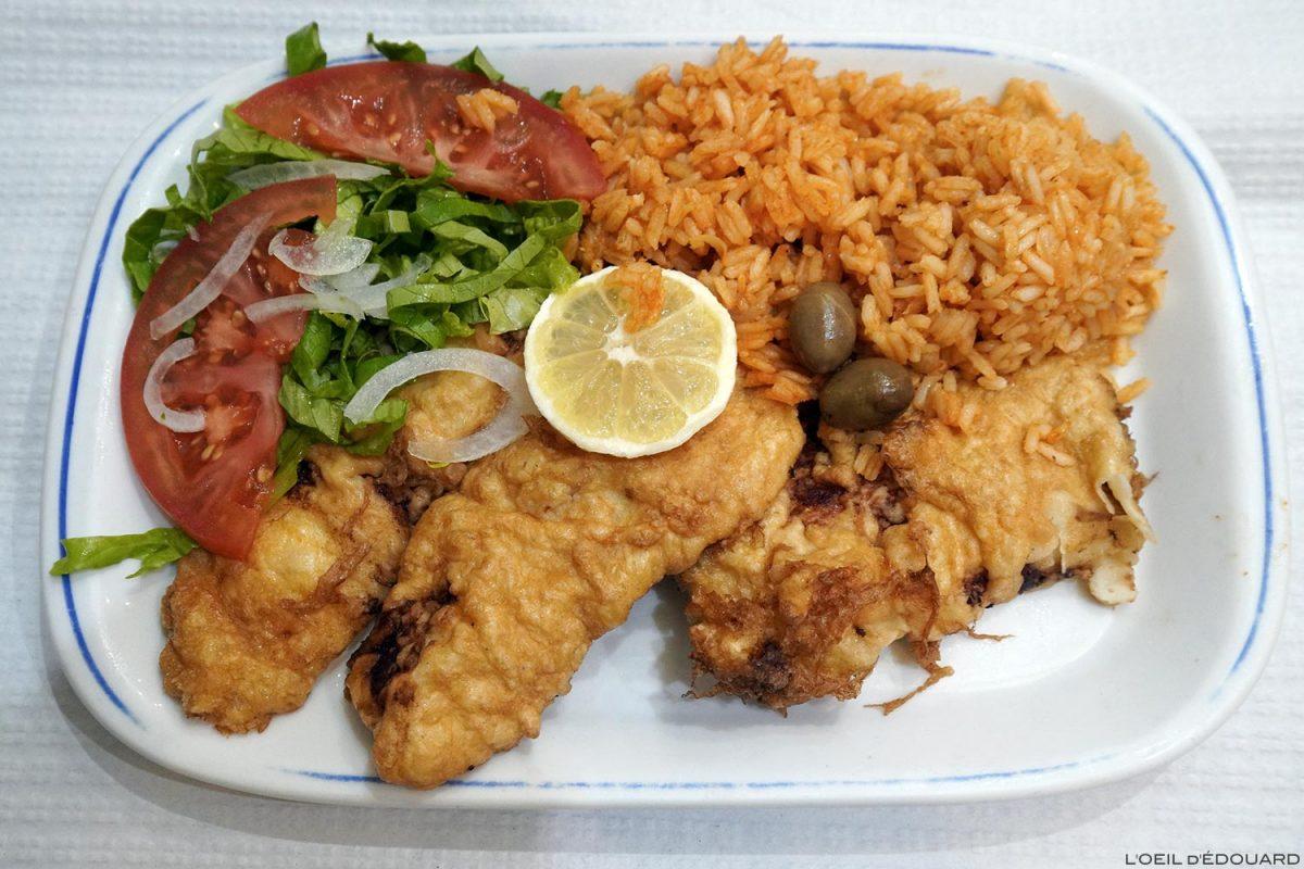 Morue frit Lisboa Portugal Lisbonne - Bacalhau Portuguese food fried fish and rice