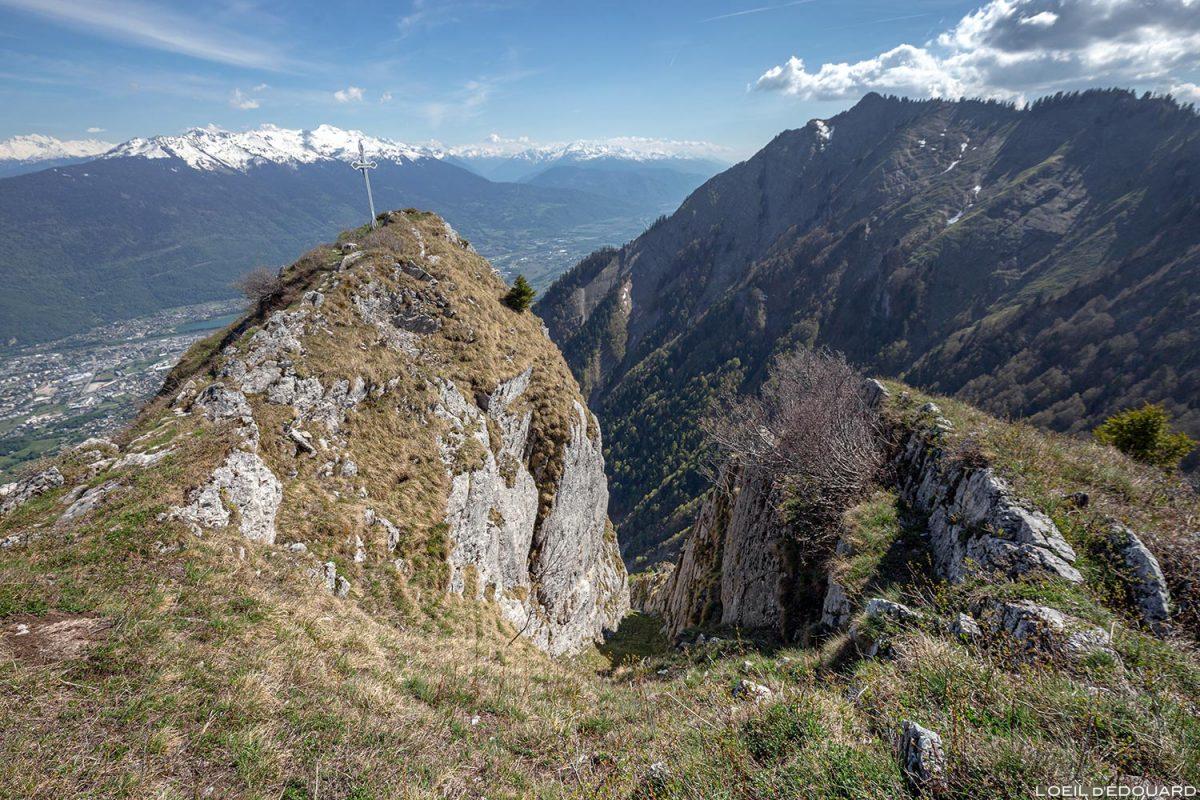 Le sommet du Roc Rouge (ou La Négresse) entre La Belle Étoile et la Dent de Cons Bauges Savoie Alpes - Paysage Montagne Randonnée Outdoor Mountain Landscape