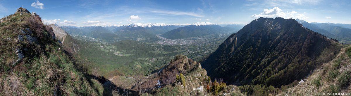 Vue au sommet du Roc Rouge (ou La Négresse) entre La Belle Étoile et la Dent de Cons Bauges Savoie Alpes - Paysage Montagne Randonnée Outdoor Mountain Landscape