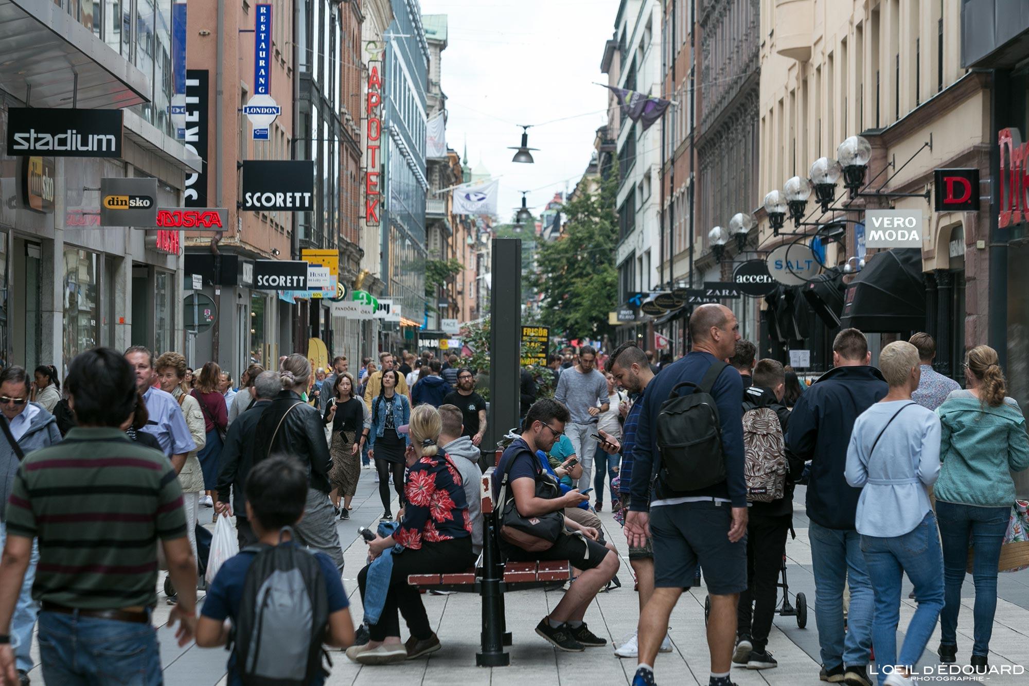 Rue commerçante Drottninggatan Norrmalm Stockholm Suède Sweden Sverige shopping street