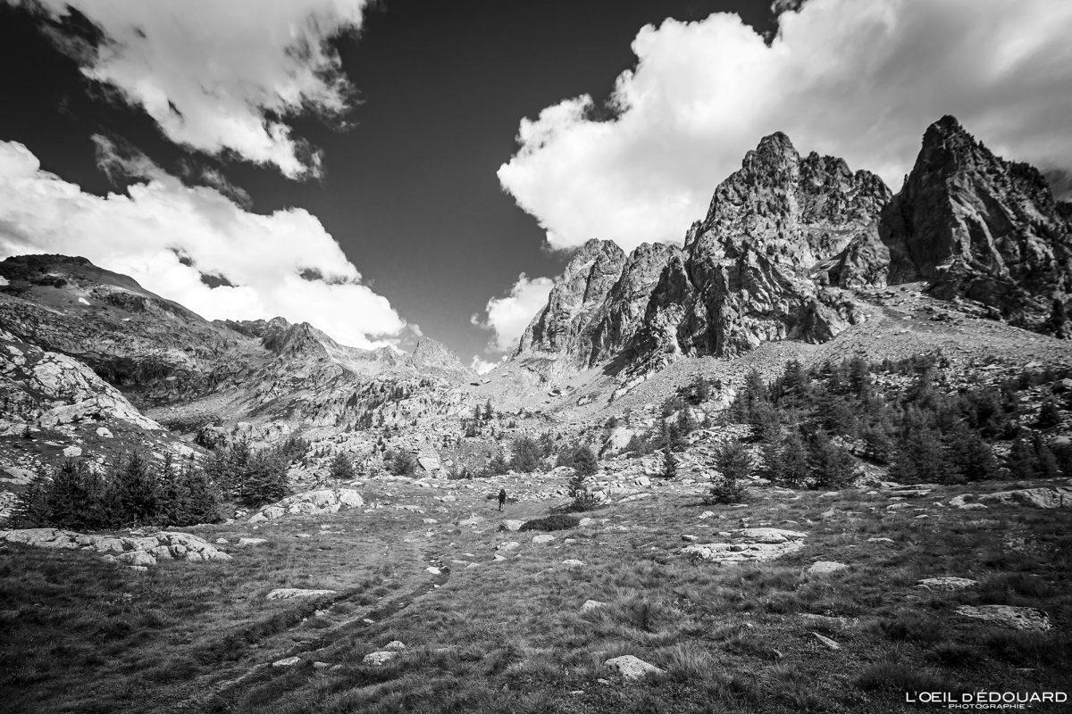 Sentier de randonnée Massif du Mercantour Alpes-Maritimes Provence-Alpes-Côte d'Azur / Paysage Montagne Trek Outdoor Landscape Mountain Hike Hike Trekking