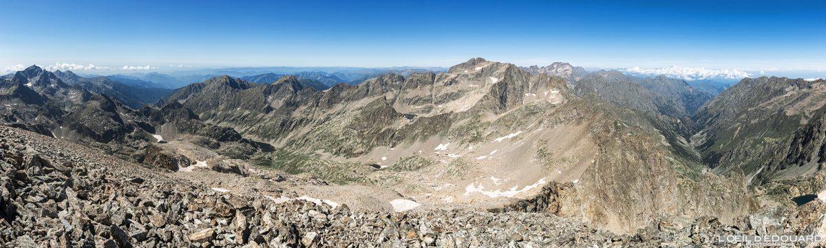 Vue panorama sommet du Mont Clapier - Massif du Mercantour Alpes-Maritimes Provence-Alpes-Côte d'Azur / Paysage Montagne Randonnée Trek Outdoor View Landscape Mountain summit Hike Hike Trekking
