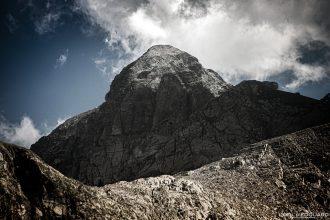 Mont Bégo - Massif du Mercantour Alpes-Maritimes Provence-Alpes-Côte d'Azur / Paysage Montagne Randonnée Trek Outdoor Landscape Mountain summit Hike Hike Trekking