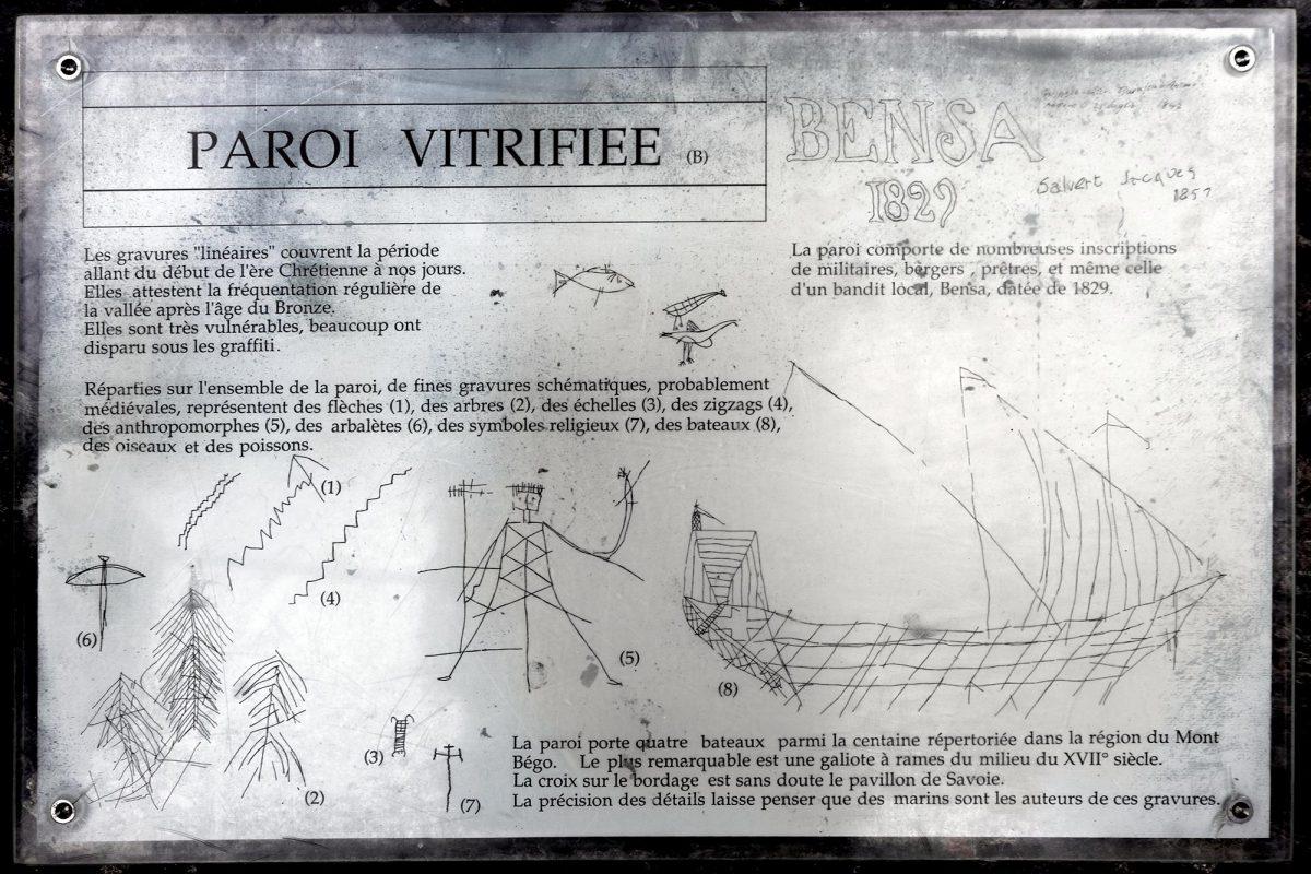 Gravures rupestres Paroi Vitrifiée Vallée des Merveilles - Massif du Mercantour Alpes-Maritimes Provence-Alpes-Côte d'Azur / Art Préhistorique Archéologie Préhistoire