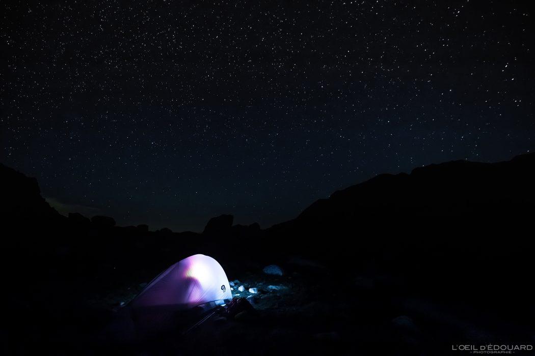 Photo de Nuit ciel étoiles Tente Bivouac Refuge des Merveilles - Massif du Mercantour Alpes-Maritimes Provence-Alpes-Côte d'Azur / Paysage Montagne Randonnée Trek Outdoor Landscape Mountain Hike Hike Trekking stars night sky