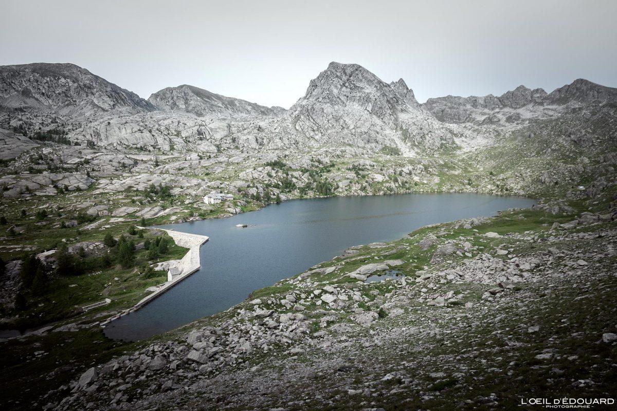 Lac Long Supérieur Vallée des Merveilles - Massif du Mercantour Alpes-Maritimes Provence-Alpes-Côte d'Azur / Paysage Montagne Randonnée Trek Outdoor Landscape Mountain lake Hike Hike Trekking